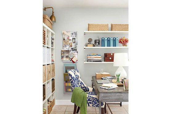 Tudo parece de fácil acesso na estante com caixas organizadas. Foto: Pinterest