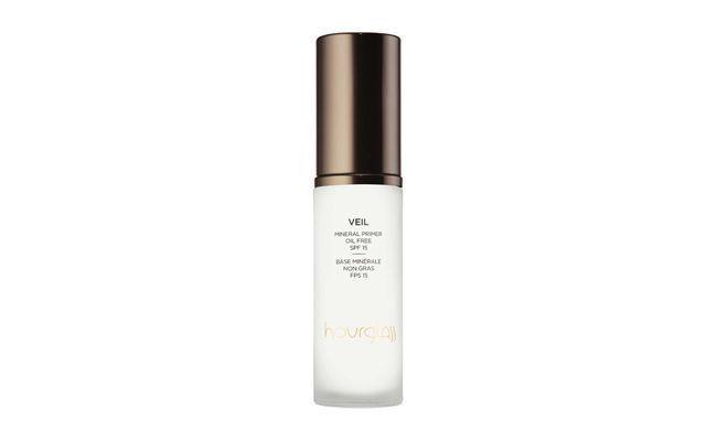 """Pré-Maquiagem Veil Mineral Primer SPF 15 – Hourglass por R$ 92,00 na <a href=""""http://www.sephora.com.br/hourglass/maquiagem/face/pre-maquiagem-veil-mineral-primer-spf-15-13231"""" target=""""_blank"""">Sephora</a>"""