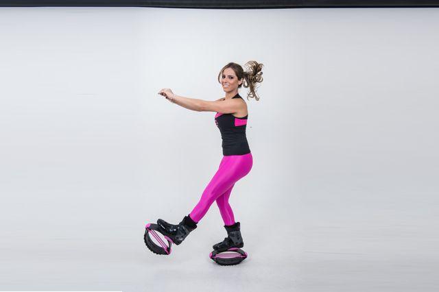<b>Marcha reversiva:</b> correr de costas é uma forma alternativa de correr que ajuda a sair da mesmice, além de trazer vários benefícios para o corpo. Ajuda na coordenação motora, é ótimo para postura, melhora a visão periférica (conciliando visão e audição) e contribui com o fortalecimento muscular.