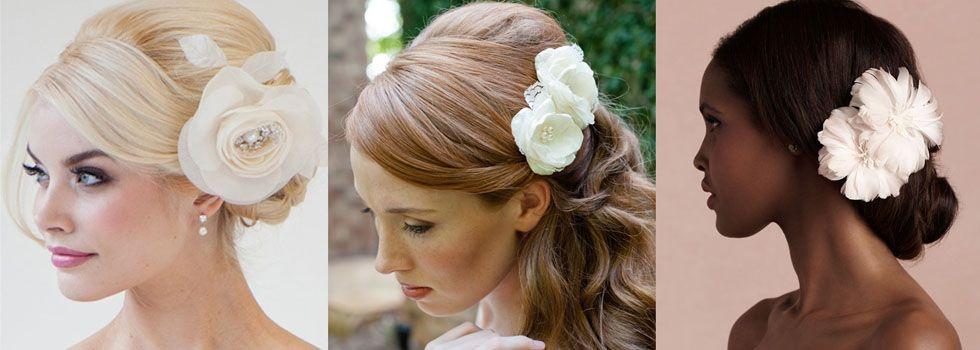 A flor pode ser usada para decorar um coque, uma trança e outros penteados.