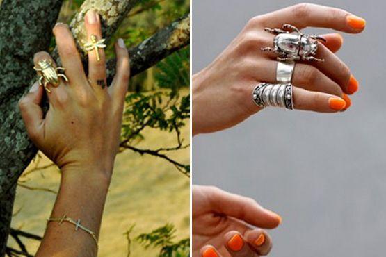 Anéis mais discretos ou maxi dão um charme para as mãos