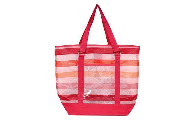 """Bolsa sacola por R$85 na <a href=""""http://www.macsiacessorios.com.br/produto/bolsas-casuais/bolsa-sacola-praia-rosa-1429.mstp"""" target=""""_blank"""">Macsi Acessórios</a>"""