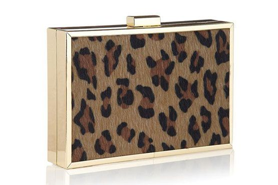 <p>Clutch Faux Animal por R$189 na Loja Accessorize.</p>