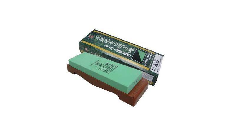 "Pedra para amolar faca por R$251,90 na <a href=""http://konbini.produto.rakuten.com.br/pedra-para-amolar-faca-com-suporte-lobster-400-naniwa.aspx?p=1&sclid=pl_ggl_konbini_pedra-para-amolar-faca-com-suporte-lobster-400-naniwa&marin=Rl2exF0b|pcrid|52318233500|pkw||pmt||plid||pdv|&c3apimn=Rl2exF0b&gclid=CLmvqIvxw8ECFUgA7AodeFkAqA"" target=""blank_"">Konbini</a>"