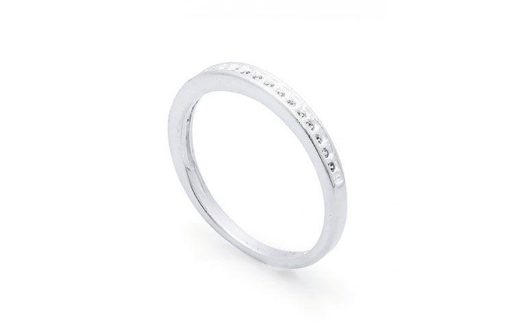 """Aparador em prata por R$ 69,00 na <a href=""""http://www.lumae.com.br/aneis/aparadores/anel-em-prata-aparador-1269840048 """" target=""""_blank""""> Lumaê</a>"""