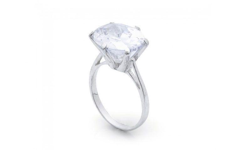 """Anel solitário oval por R$ 65,00 <a href=""""http://www.lumae.com.br/aneis/anel-em-prata-solitario-oval-g """" target=""""_blank"""">Lumaê</a>"""