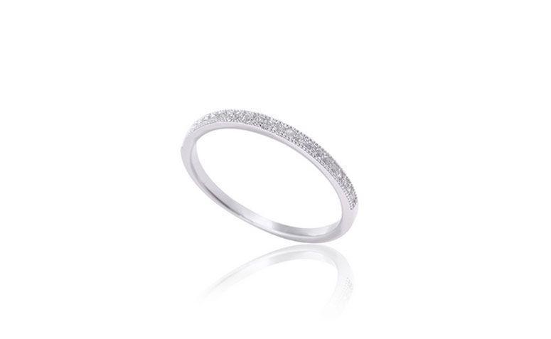 """Anel de prata rodinada por R$ 76,70 no <a href="""" http://www.pratanet.com.br/produto/anel+prata+rodinada+c+cinco+fios """" target=""""_blank"""">Prata Net</a>"""