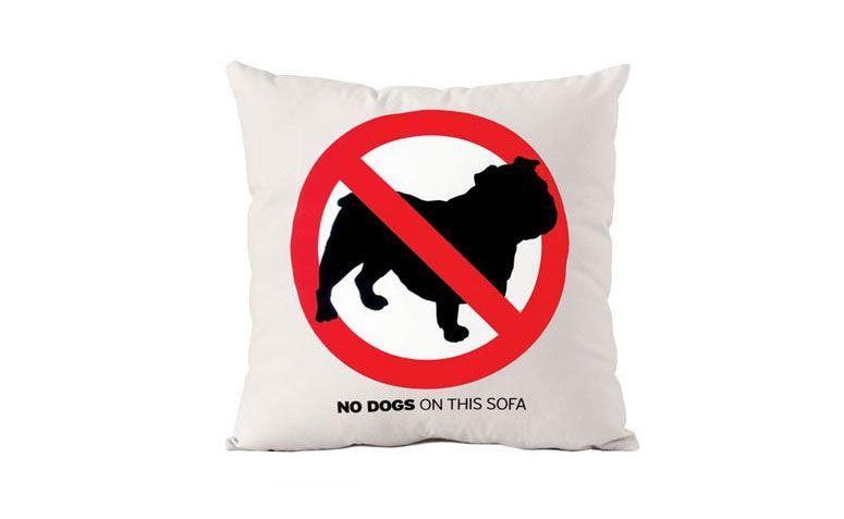 """Almofada """"No dog"""" por R$ 59,90 na <a href=""""https://www.lojameninos.com.br/almofada-no-dog-p-518.html"""" target=""""_blank"""">Loja meninos</a>"""