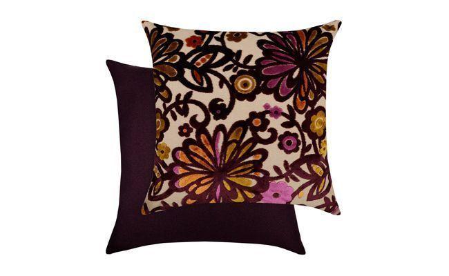 """Almofadas de veludo por R$186 na <a href=""""http://www.tecdec.com.br/almofadas/63304-almofada-de-veludo-floral-dupla-face-tecdec.html"""" target=""""_blank"""">TecDec</a>"""