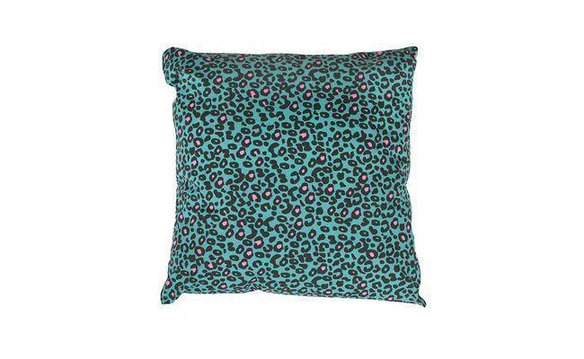 "Almofada animal print por R$39,90 na <a href=""http://www.meumoveldemadeira.com.br/produto/almofada-tigresa"" target=""_blank"">Meu Móvel de Madeira</a>"