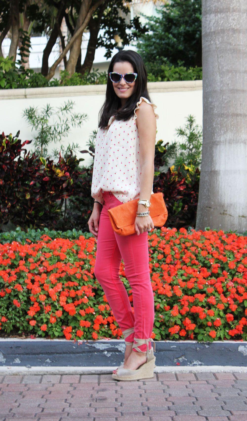 "Foto: Reprodução / <a href=""http://www.blogdamariah.com.br/index.php/2012/01/look-do-dia-skinny-colorida/?lang=en"" target=""_blank"">Blog da Mariah</a>"
