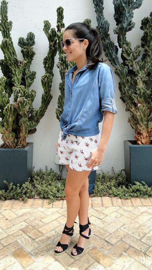 "Foto: Reprodução / <a href=""http://www.blogdamariah.com.br/index.php/2010/11/look-do-dia-jeans-is-the-new-black/"" target=""_blank"">Blog da Mariah</a>"