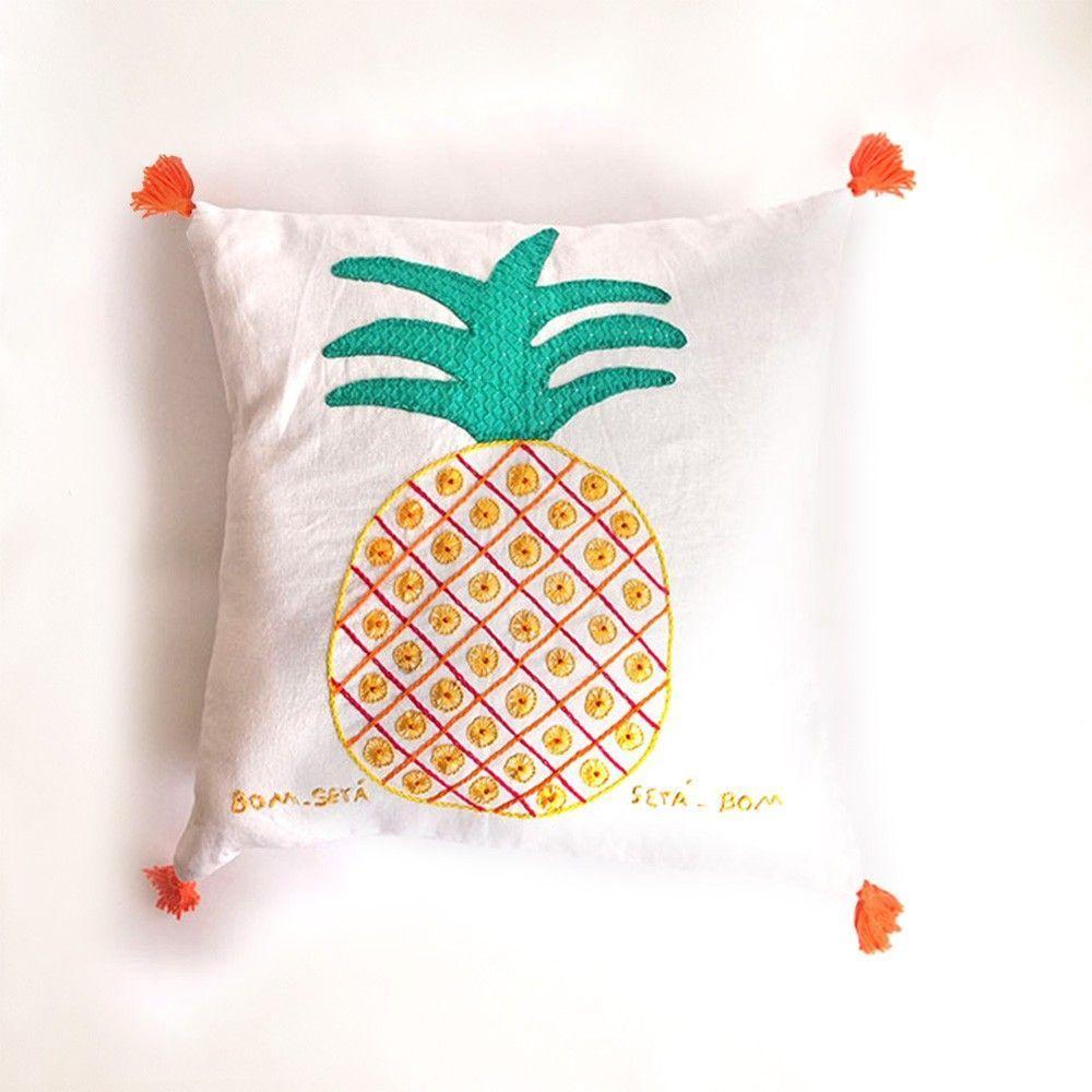 haftowane poduszki ananas za $ 99,90 w sieci Asta