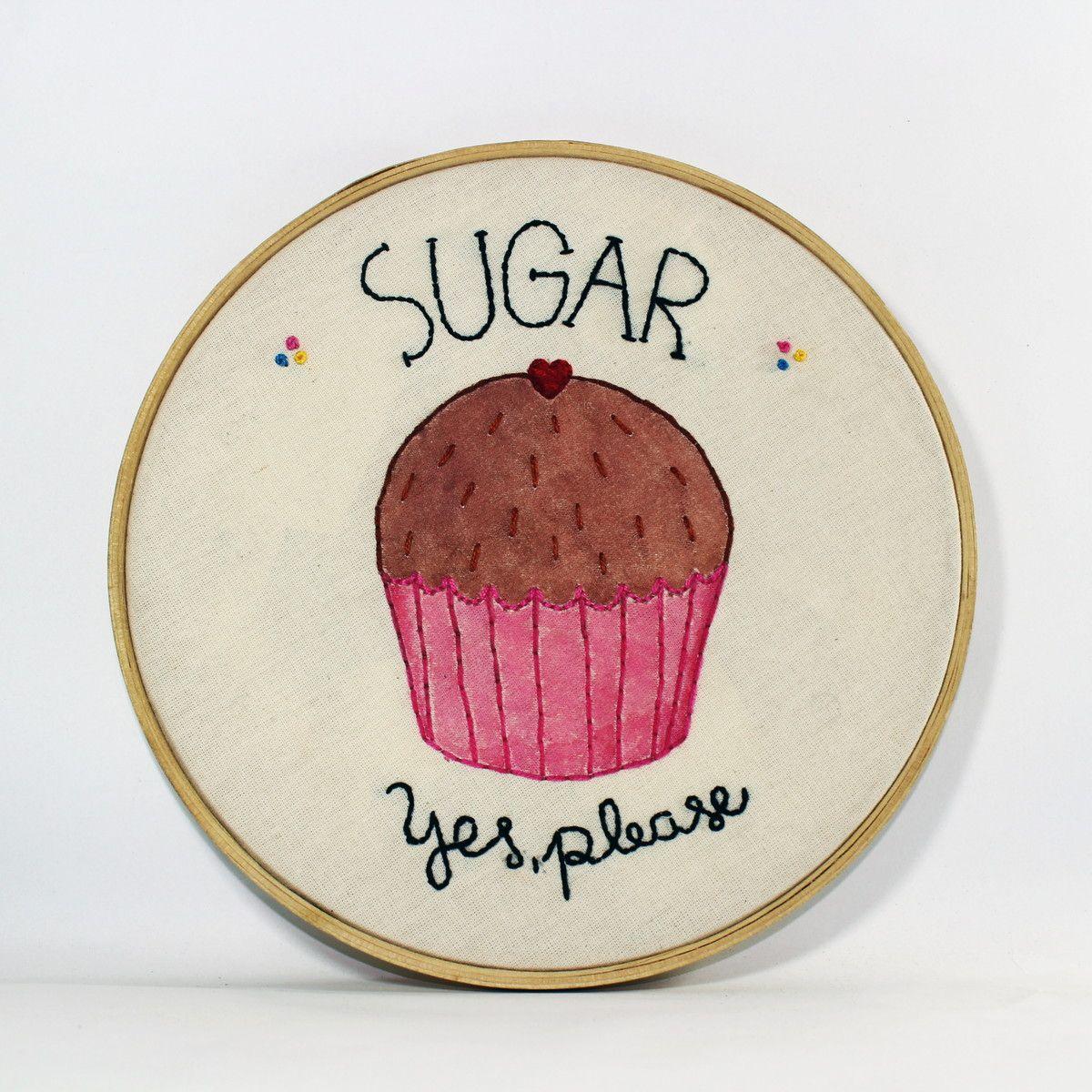 """Bastidor """"Sugar yes, please"""" por R$ 70 no <a href=""""http://www.elo7.com.br/quadro-bastidor-sugar-yes-please/dp/5EDB08#hsn=0&df=d&uso=d&smk=0&pso=up&osbt=b-o&ss=0&sv=0"""" target=""""_blank"""">Elo7</a>"""