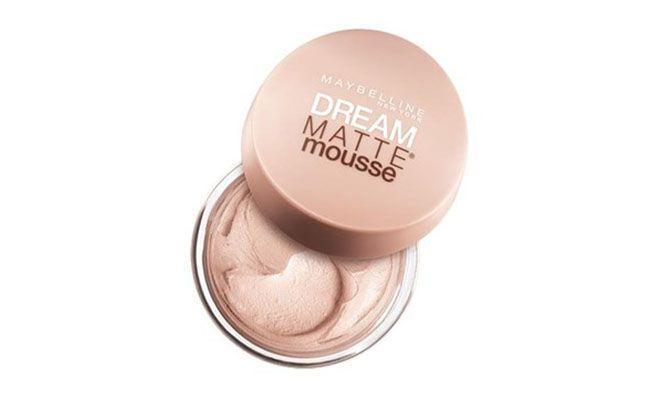 "Base em Mousse Maybelline por R$ 51,90 na <a href=""http://www.epocacosmeticos.com.br/dream-matte-mousse-maybelline-base-facial/p"" target=""blank_"">Época Cosméticos</a>"