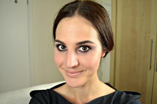 """Foto: Reprodução / <a href=""""http://revista.vogue.globo.com/diadebeaute/2014/08/tv-beaute-make-rosado/"""" target=""""_blank"""">Dia de Beauté</a>"""