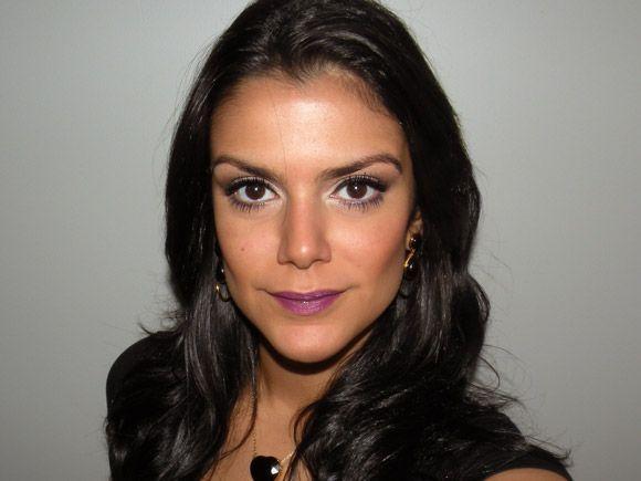 """Foto: Reprodução / <a href=""""http://www.2beauty.com.br/blog/2012/05/11/tutorial-batom-roxo/"""" target=""""_blank"""">2beauty</a>"""
