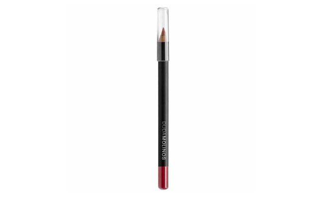 "Duda Molinos lápis labial cor Rosê por R$12,90 na <a href=""http://www.belezanaweb.com.br/duda-molinos/lapis-para-labios/"" target=""_blank"">Beleza na Web</a>"