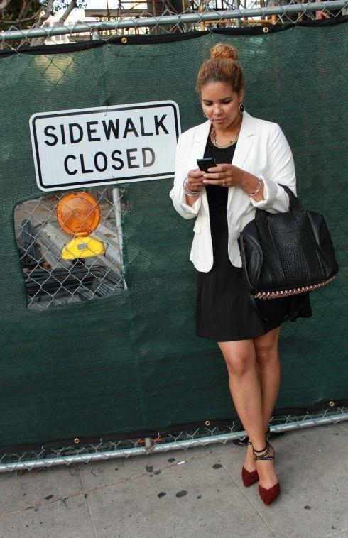 "Foto: Reprodução / <a href=""http://yourstylejourney.com/tag/white-blazer/"" target=""_blank"">Your Style Journey</a>"