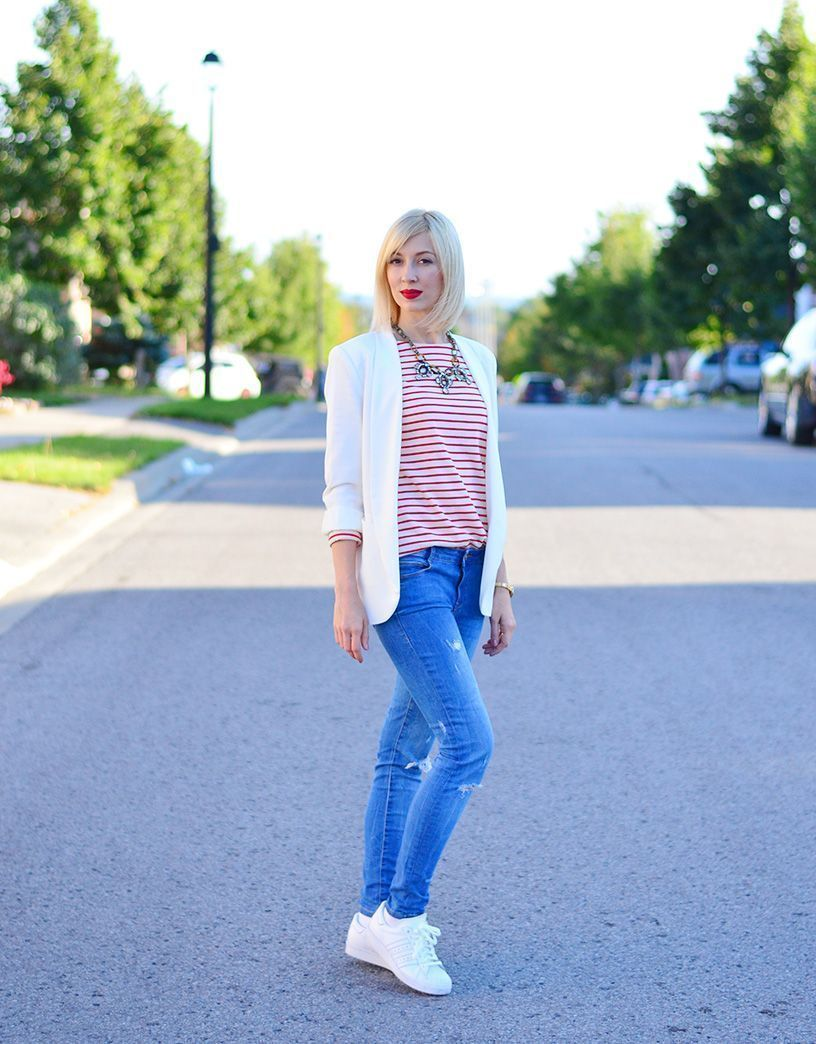 """Foto: Reprodução / <a href=""""http://www.stripesnvibes.com/2015/10/out-and-about-white-jacket-style-gold.html"""" target=""""_blank"""">Stripes'n Vibes</a>"""