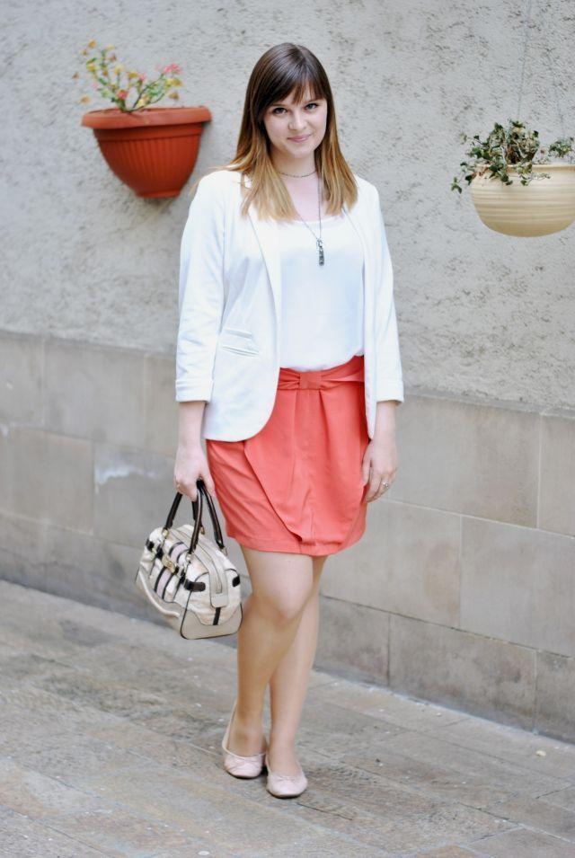 """Foto: Reprodução / <a href=""""http://www.clothesandcamera.com/2014/04/ootd-bow-skirt.html"""" target=""""_blank"""">Clothes and Camera</a>"""