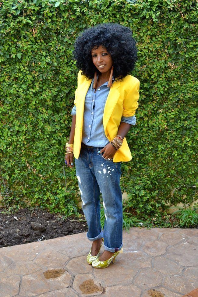 "Foto: Reprodução / <a href=""http://stylepantry.com/2011/04/08/yellow-vintage-blazer-denim-shirt-bf-jeans/"" target=""_blank"">Style Pantry</a>"