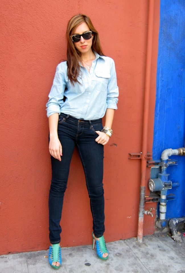 "Foto: Reprodução / <a href=""http://www.sydnestyle.com/2011/04/ttf-fashion-diary-double-denim/"" target=""_blank"">Sydne Style</a>"