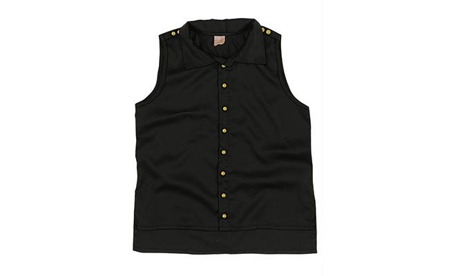 Black Cotton Satin blouse inSleeveless shirt, mullet, opening with buttons and application buttons on the shoulders of R $ 65.90 in Posthaus