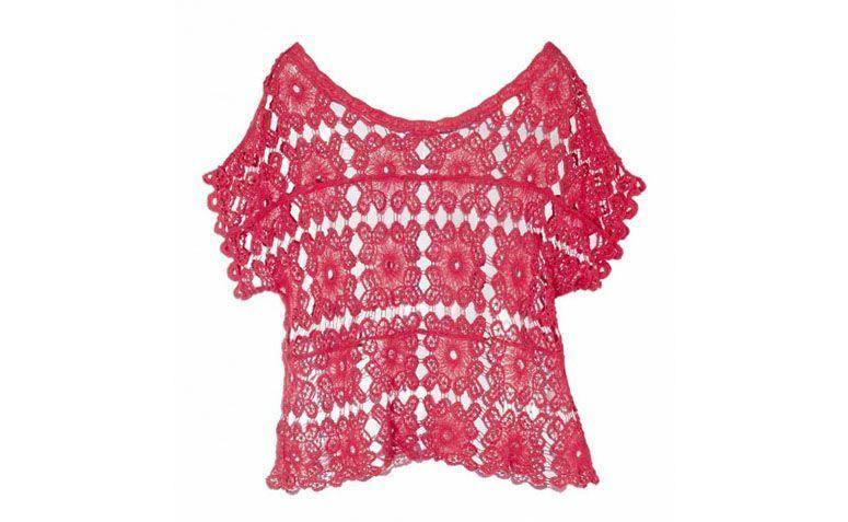 Merah blaus lace untuk $ 89.90 dalam Amaro
