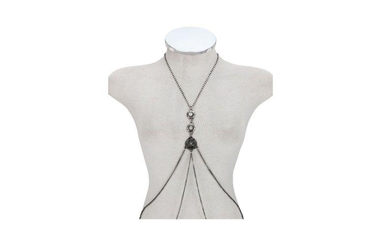 """Body Chain prateado por R$48,00 na <a href=""""http://milbijus.com.br/produto/11312/13431/colar-body-chain-prateado-strass-cristal"""" target=""""blank_"""">Mil Bijus</a>"""