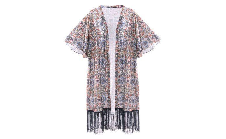 Kimono par R frangé 89,90 $ à Amaro