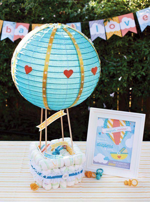 """Foto: Reprodução / <a href=""""http://blog.hwtm.com/2013/06/hot-air-balloon-diaper-cake-free-printables/"""" target=""""_blank"""">Hostess with the mostess</a>"""