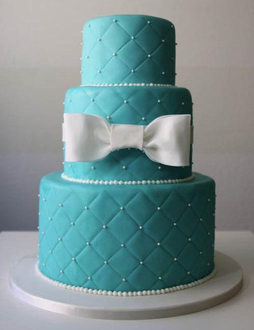 "Foto: Reprodução / <a href=""http://mysweetday.se/2014/02/20/tiffany-blue-cake/"" target=""_blank"">My Sweet Day</a>"