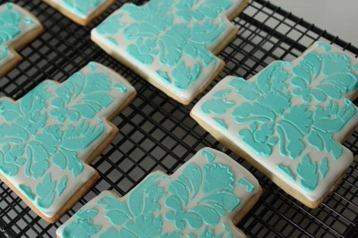 "Foto: Reprodução / <a href=""http://lilmisscakes.com/2011/tiffany-blue-inspired-cookies"" target=""_blank"">Lil Miss Cakes</a>"