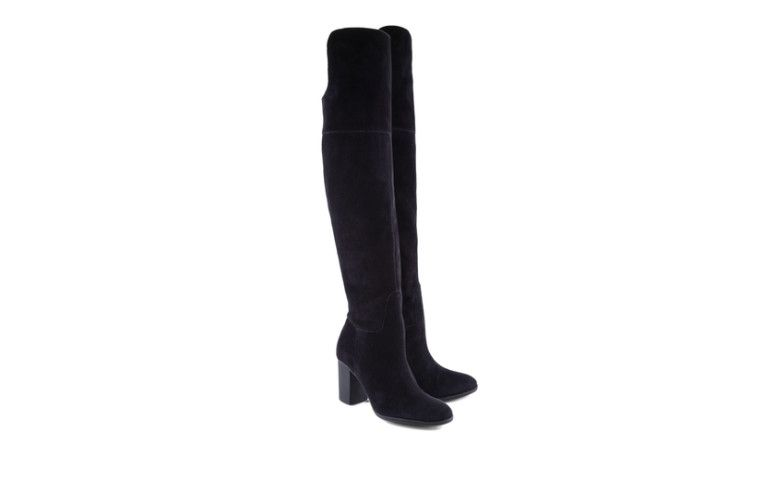 "Bota High Over The Knee Suede Black por R$ 550,00 na <a href=""http://www.schutz.com.br/store/shoes/botas/botaovertheknee/bota-high-over-the-knee-suede-black/p/0174610170013U"" target=""blank_"">Schutz</a>"