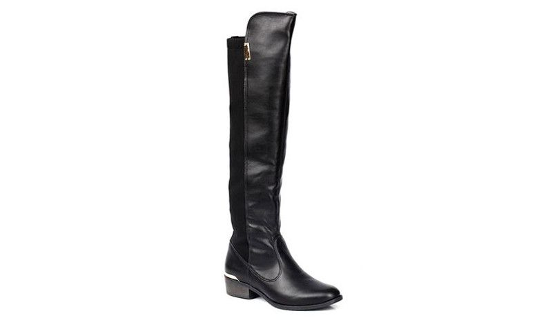 "Bota Over The Knee Via Marte por R$239,99 na <a href=""http://ad.zanox.com/ppc/?29470339C91617029&ULP=[[http://www.marisa.com.br/produto/bota-over-the-knee-via-marte-152702/135441?refferPos=7OddVzA6kuw=&refferPag=YrItVniimrc=&cor_n_codigo=2&utm_source=zanox&utm_medium=branding&utm_campaign=custom_deeplink&utm_content=textlink_landing-ofertas-voos&affid=4873]]"" target=""blank_"">Marisa</a>"