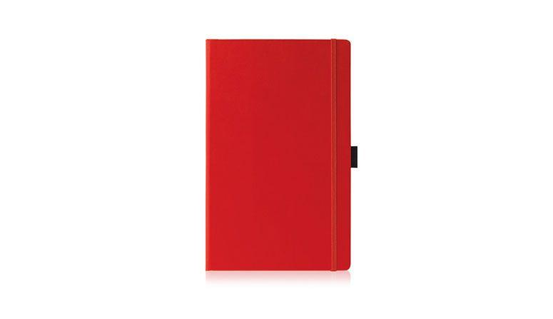 """Caderneta quadriculada por R$67,49 na <a href=""""http://www.americanas.com.br/produto/7360059/caderneta-quadriculada-paros-g-c-porta-caneta-papel-marfim-vermelha-pombo"""" target=""""blank_"""">Americanas</a>"""