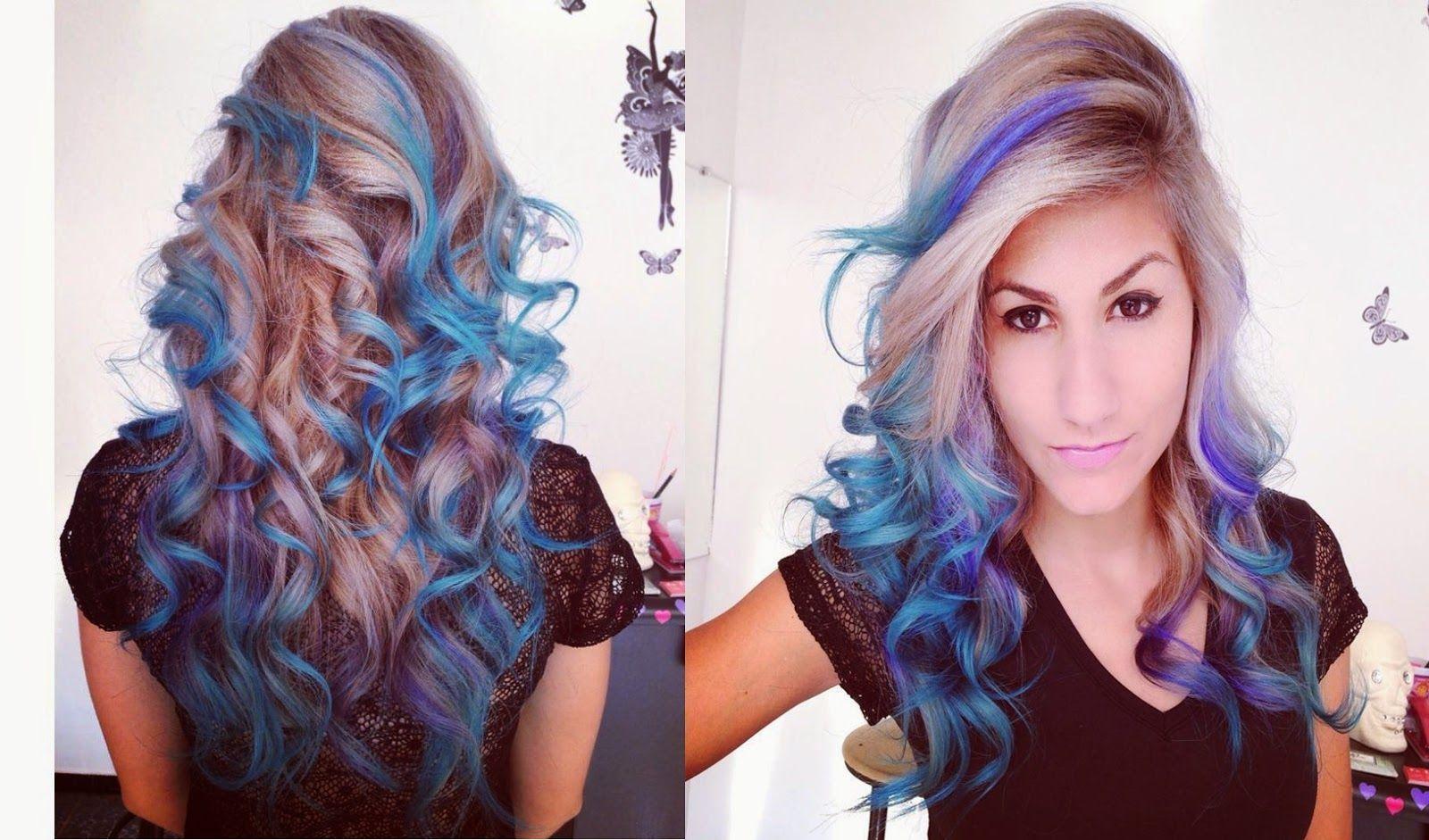"Foto: Reprodução / <a href=""http://www.pamellarocha.com/2014/06/cabelo-colorido-pamella-rocha-azul-2.html#.VOsowP7F-So"" target=""_blank"">Pamella Rocha</a>"