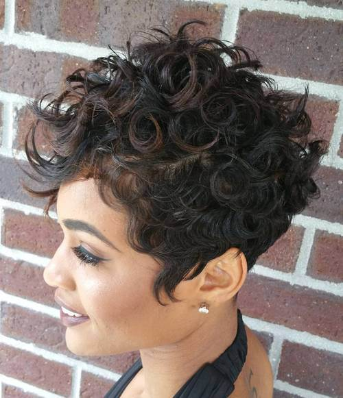 "Foto: Reprodução / <a href=""http://therighthairstyles.com/short-layered-hairstyles/6/"" target=""_blank"">The Right Hairstyles for You</a>"