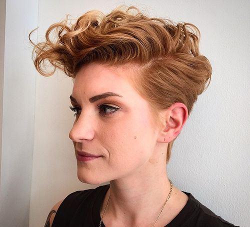 """Foto: Reprodução / <a href=""""https://instagram.com/p/2ExVo9liKR/"""" target=""""_blank"""">Emely Costello</a>"""