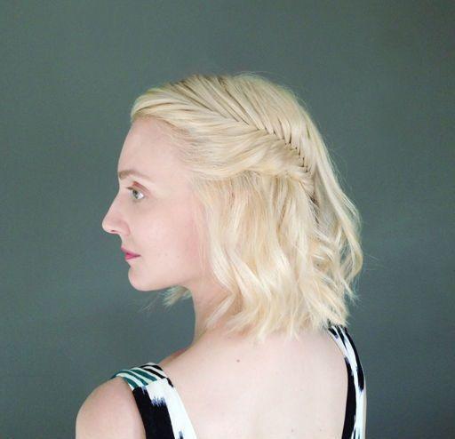 """Foto: Reprodução / <a href=""""http://thebeautydepartment.com/2014/05/half-updo-short-hair/"""" target=""""_blank"""">The Beuty Department</a>"""