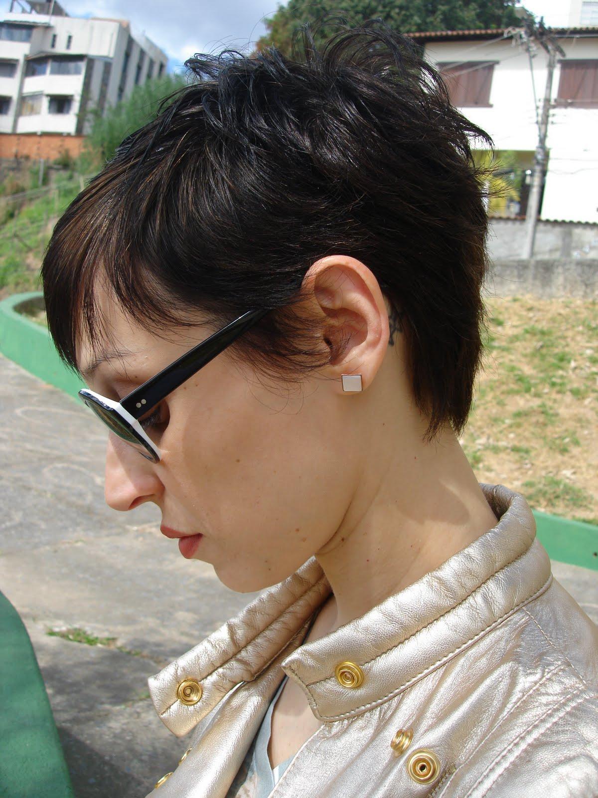"""Foto: Reprodução / <a href=""""http://www.crisguerra.com.br/hoje-vou-assim/2010/07/26/oculos-capolavoro-para-zotika-brinco_26/"""" target=""""_blank"""">Hoje vou assim</a>"""