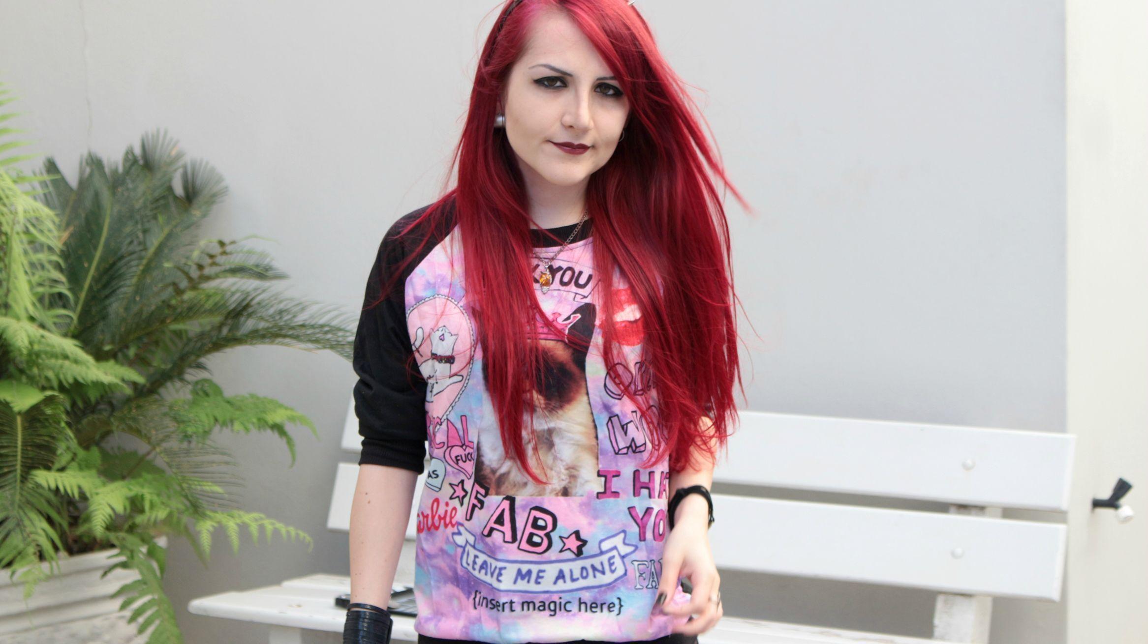 "Foto: Reprodução / <a href=""http://www.sheisdanna.com.br/look-do-dia-galaxy-pink/"" target=""_blank"">She Is Danna</a>"