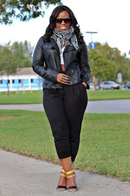 "Foto: Reprodução / <a href=""http://www.curvesandconfidence.com/2013/03/weekend-wear-sweats-and-heels.html"" target=""_blank"">Curves and Confidence</a>"