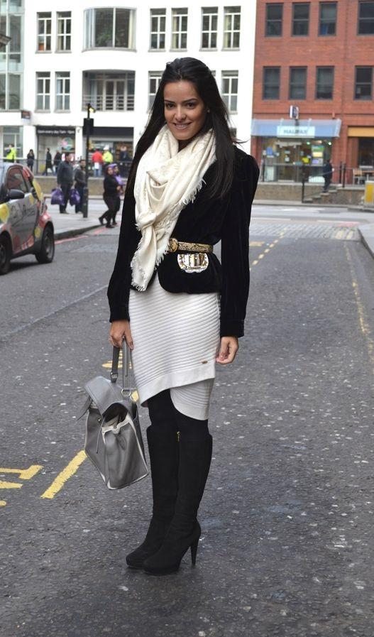 """Foto: Reprodução / <a href=""""http://www.blogdamariah.com.br/index.php/2011/02/look-do-dia-veludo/"""" target=""""_blank"""">Blog da Mariah</a>"""
