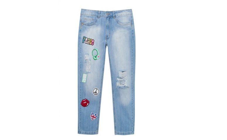 "Calça jeans boyfriend por R$379,00 na <a href=""https://www.oqvestir.com.br/calca-jeans-boyfriend-patches-janis.html "" target=""blank_"">Oqvestir</a>"