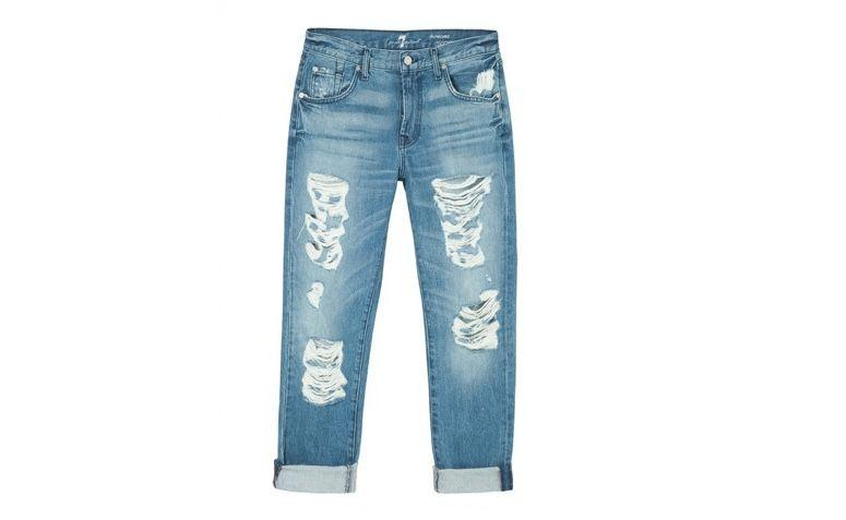 "Calça jeans boyfriend por R$840,00 na <a href=""https://www.oqvestir.com.br/calca-jeans-the-relaxed-skinny-destroyed.html "" target=""blank_"">Oqvestir</a>"