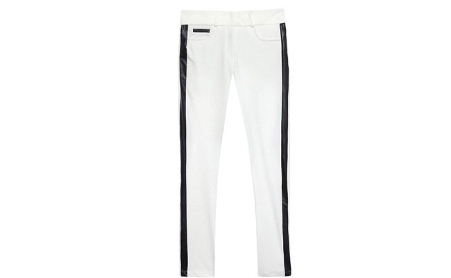 """Calça Bicolor branca e preta por R$ 79,00 na <a href=""""http://www.oqvestir.com.br/calca-bicolor-neoprene-off-white-35783.aspx/p"""" target=""""blank_"""">OQVestir</a>"""