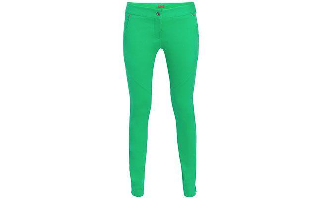"""Calça verde Flor por R$121,60 na <a href=""""http://www.shop2gether.com.br/calca-ana-6-31caef0e453139d6f516ed7eeb371072.html"""" target=""""blank_"""">Shop2gether</a>"""
