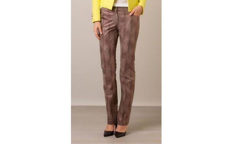 Bobstore celana kulit untuk $ 2.189 di Farfetch